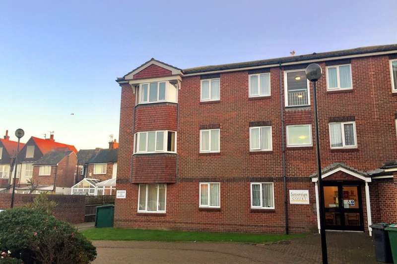 2 Bedrooms Flat for sale in Wannock Road, Eastbourne, BN22