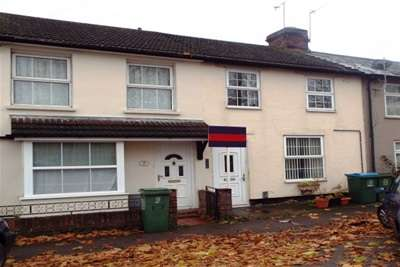 3 Bedrooms House for rent in Close to town centre