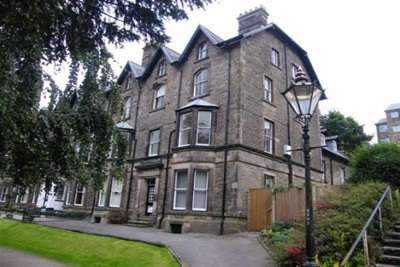 4 Bedrooms Flat for rent in Grosvenor Mansions; Broad Walk. Buxton