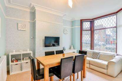 3 Bedrooms Terraced House for sale in Hawthorne Road, Rosehill, Burnley, Lancashire