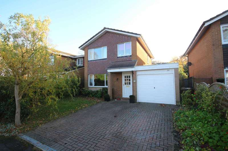 3 Bedrooms Detached House for sale in Avebury, Bracknell