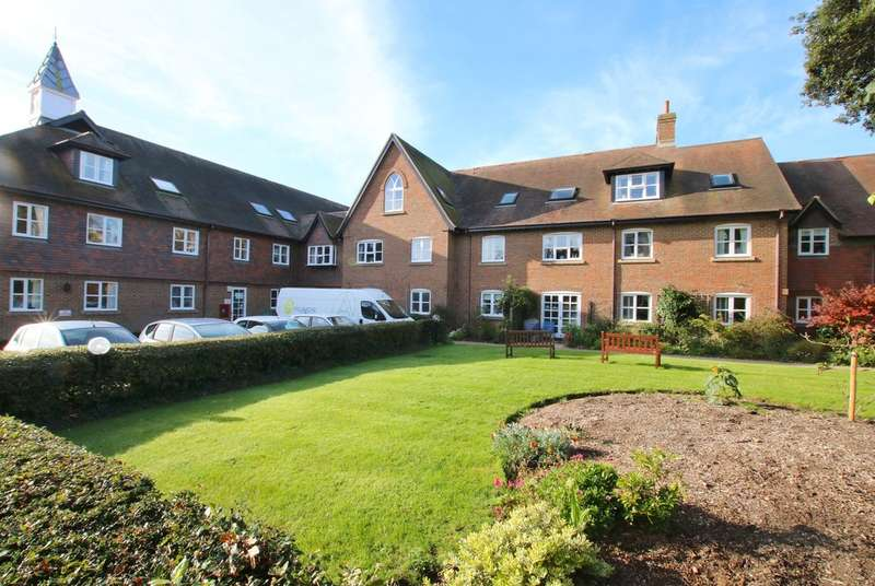 1 Bedroom Flat for sale in Monmouth Court, Church Lane, Lymington, Hampshire