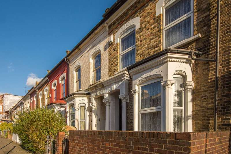 3 Bedrooms End Of Terrace House for sale in Dynevor Road, Stoke Newington, N16