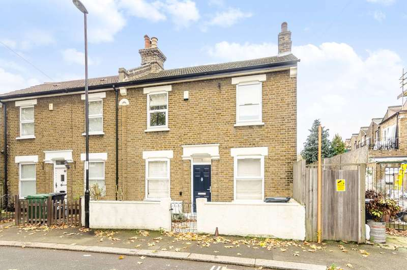 3 Bedrooms House for sale in Dermody Gardens, Hither Green, SE13