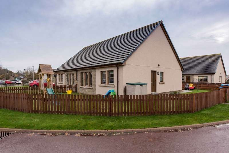 2 Bedrooms Semi Detached Bungalow for sale in Ross Avenue, Dornoch, Highland, IV25 3TD