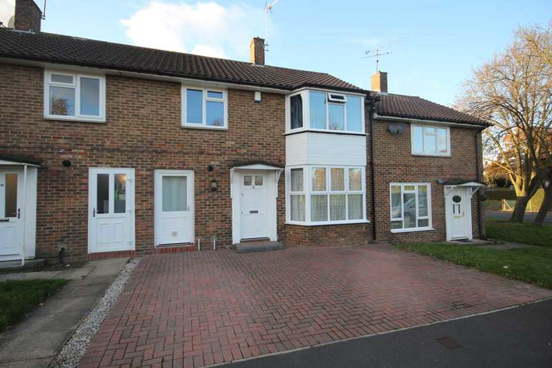 3 Bedrooms Terraced House for sale in Braybrooke Road, Priestwood