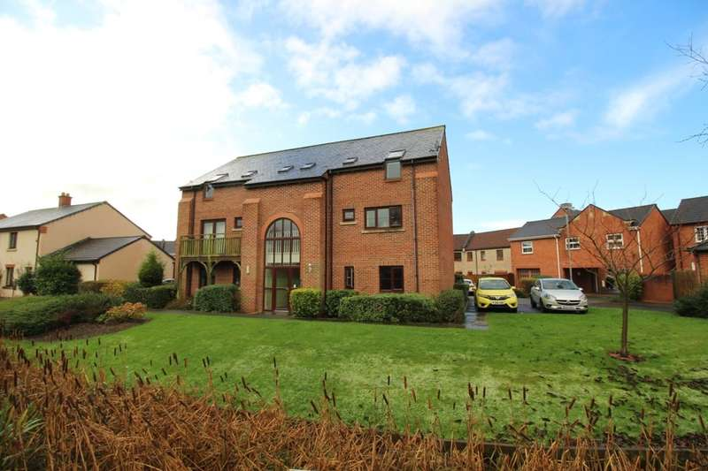 2 Bedrooms Flat for sale in Highland Drive, Buckshaw Village, Chorley, PR7