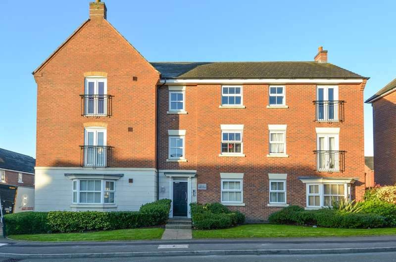 2 Bedrooms Apartment Flat for sale in Glaslyn Avenue, Rowley Regis, B65