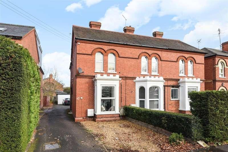 2 Bedrooms Maisonette Flat for sale in London Road, Wokingham