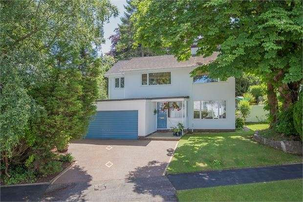 4 Bedrooms Detached House for sale in Wolborough Hill, Newton Abbot, Devon. TQ12 1HS