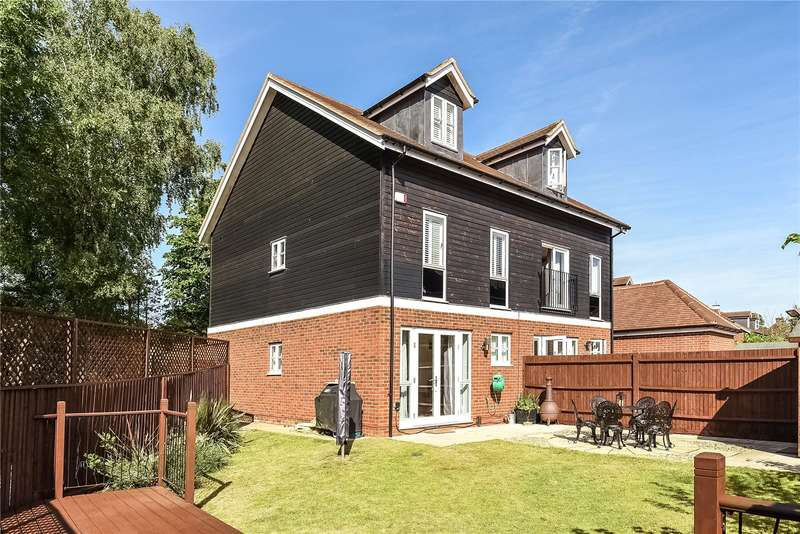 3 Bedrooms Mews House for sale in Bury Street, Ruislip, Middlesex, HA4