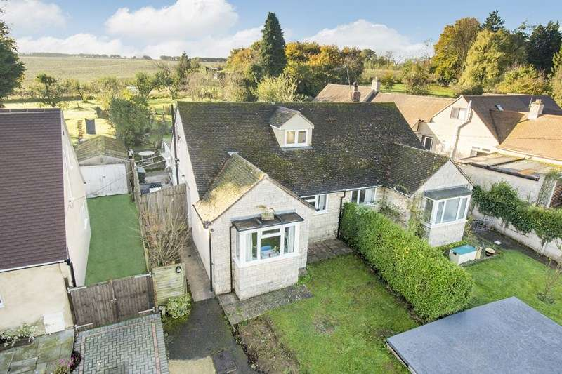 3 Bedrooms Bungalow for sale in Church Lane, Middle Barton, Chipping Norton