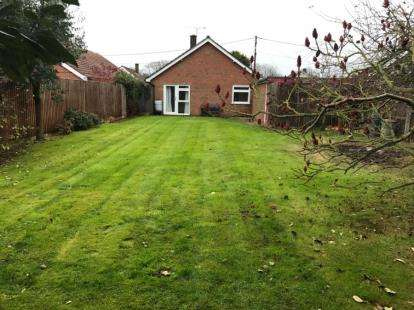 2 Bedrooms Bungalow for sale in Trimingham, Norwich, Norfolk
