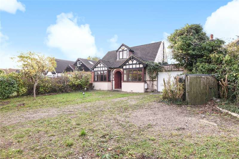 4 Bedrooms Detached House for sale in Thornhill Road, Ickenham, Uxbridge, Middlesex, UB10