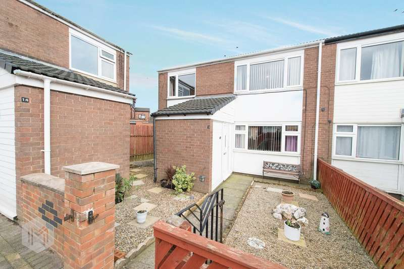 3 Bedrooms Semi Detached House for sale in Dickinson Close, Bolton, BL1