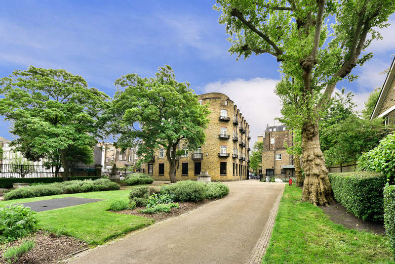 2 Bedrooms Flat for sale in Pratt Street, NW1 0BJ