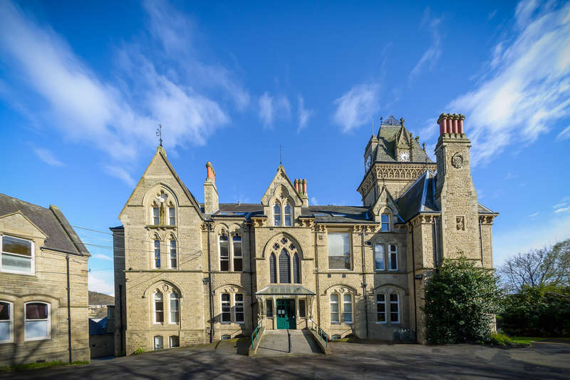 1 Bedroom Flat for sale in Boothroyd House, Dewsbury