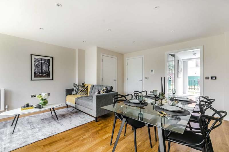 3 Bedrooms House for sale in Kings Avenue, Balham, SW4