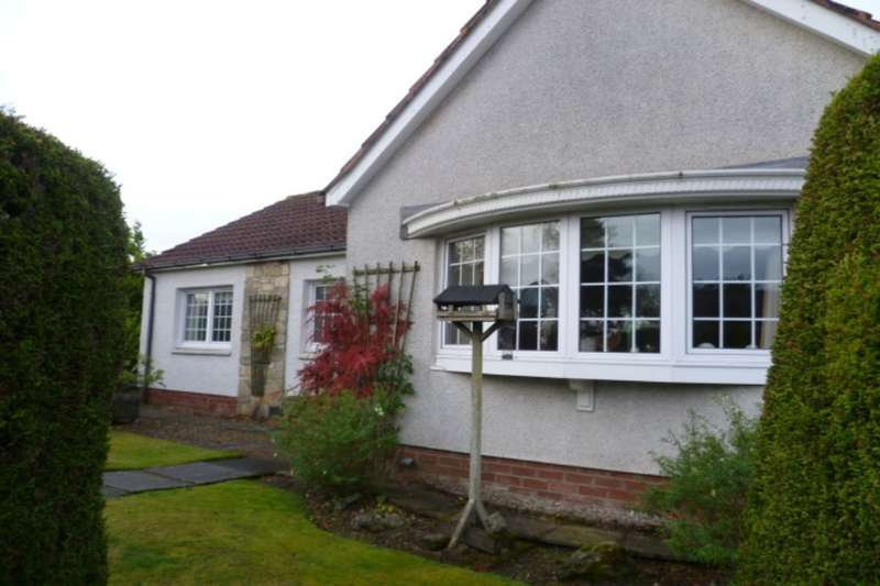 2 Bedrooms Detached Bungalow for sale in Orchil Crescent, Auchterarder, PH3