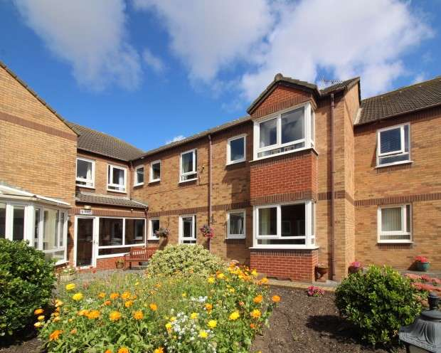 1 Bedroom Retirement Property for sale in Sandpiper Court, Buckden Close, Thornton-Cleveleys, FY5