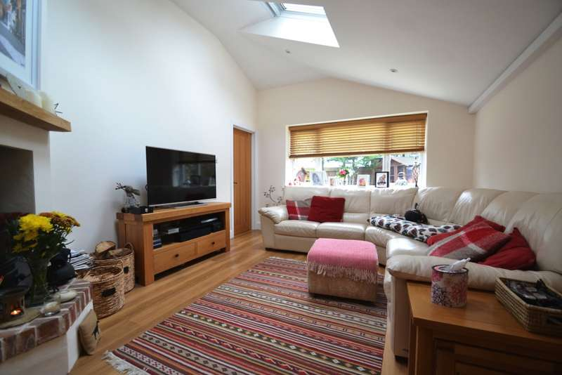 4 Bedrooms Detached House for sale in Charminster