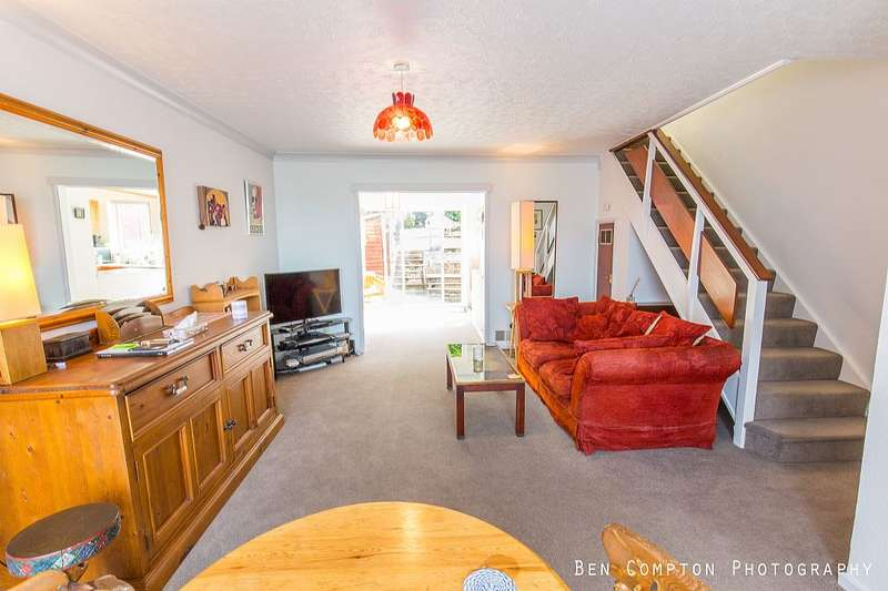 3 Bedrooms Terraced House for sale in Deepfield Way, Coulsdon, London, CR5