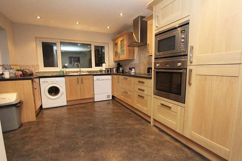 2 Bedrooms Detached House for sale in Church Crescent, Sawbridgeworth, Hertfordshire, CM21 9BH