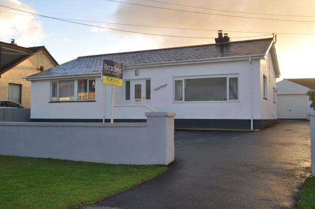 4 Bedrooms Detached Bungalow for sale in Fraddon, St. Columb, Cornwall