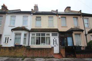 3 Bedrooms Maisonette Flat for sale in Lebanon Road, Croydon, Surrey