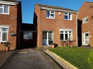 4 Bedrooms Semi Detached House for sale in Windsor Road, Chichester, West Sussex