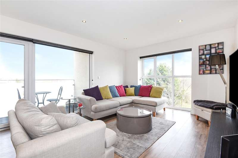 2 Bedrooms Apartment Flat for sale in Flat 10, Darwin Court, 3 Kingswood Place, Hayes, UB4