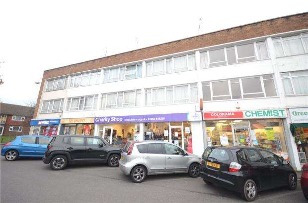 2 Bedrooms Maisonette Flat for sale in Bridge Road, Farnborough, Hampshire