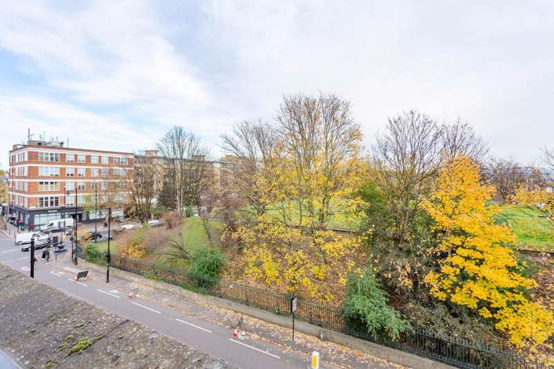 6 Bedrooms House for sale in CLAREMONT SQUARE, FINSBURY N1
