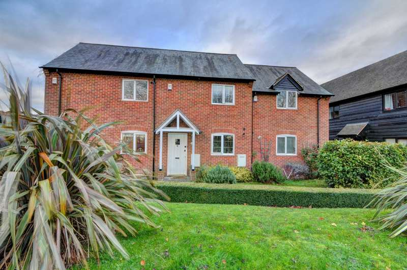 2 Bedrooms Terraced House for sale in Grange View, Askett