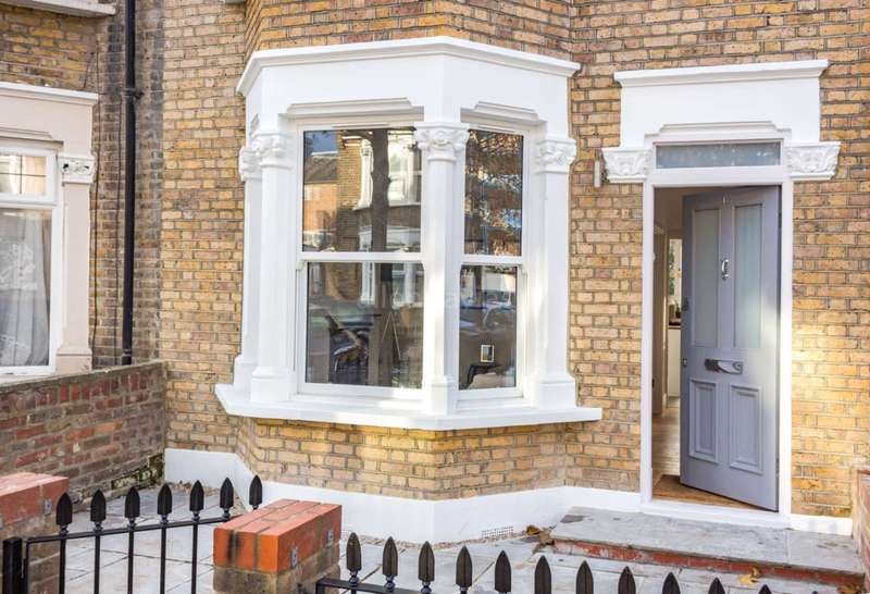 4 Bedrooms House for sale in Millicent Road, Leyton, E10
