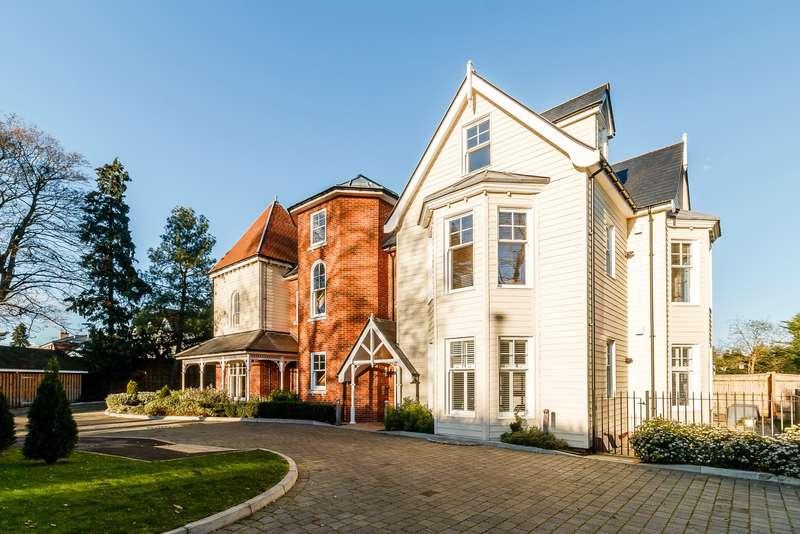 2 Bedrooms Penthouse Flat for sale in Weybridge