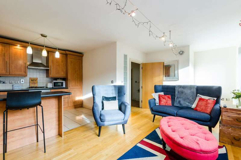 2 Bedrooms Flat for sale in Banyard Road, Bermondsey, SE16