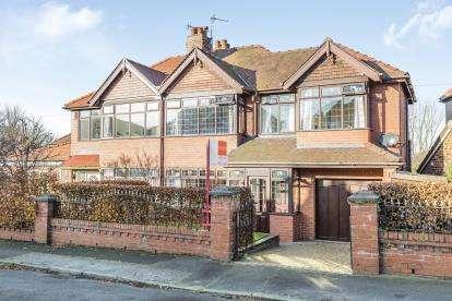 4 Bedrooms Semi Detached House for sale in Brian Avenue, Stockton Heath, Warrington, Cheshire