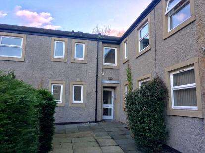 3 Bedrooms Flat for sale in Albert Court, Ashton Road, Lancaster, LA1
