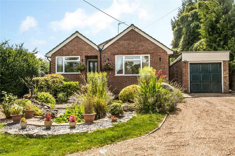 3 Bedrooms Detached Bungalow for sale in Petersfield Road, Ropley, Alresford, Hampshire, SO24