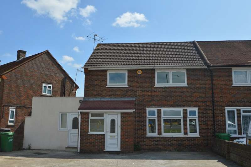 4 Bedrooms Semi Detached House for rent in Blandford Road South, Langley, SL3