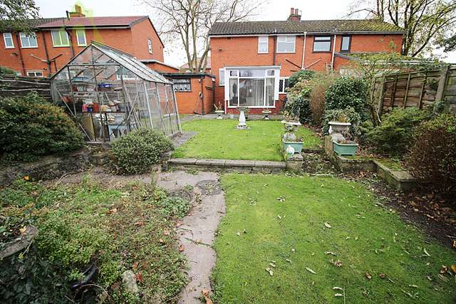 2 Bedrooms Semi Detached House for sale in Townsfield Road, Westhoughton, Bolton, BL5