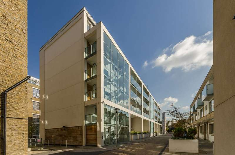 1 Bedroom Flat for sale in Printers Road, Stockwell, SW9