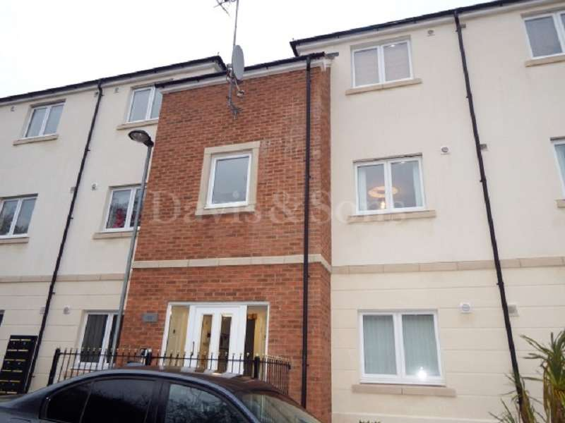 2 Bedrooms Flat for sale in Darren House, Golden Mile View, Newport. NP20 3PB