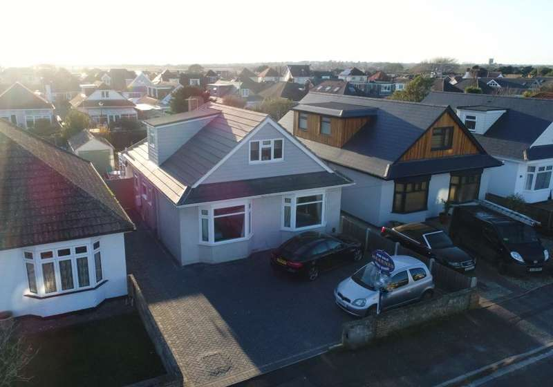 4 Bedrooms Detached Bungalow for sale in Mudeford, Christchurch