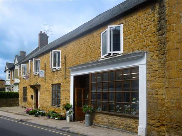 Shop Commercial for rent in Fore Street, Castle Cary