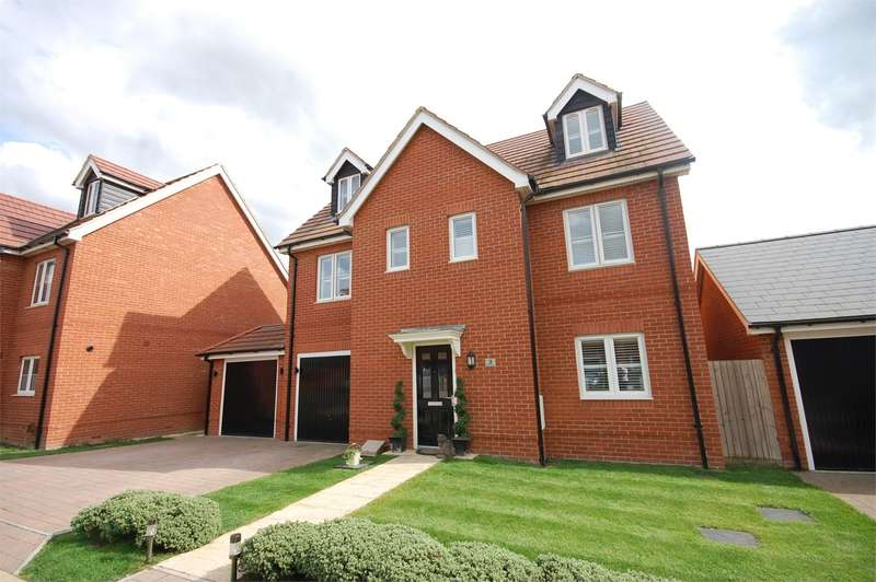 5 Bedrooms Detached House for sale in Freyberg Drive, Aylesbury, HP18