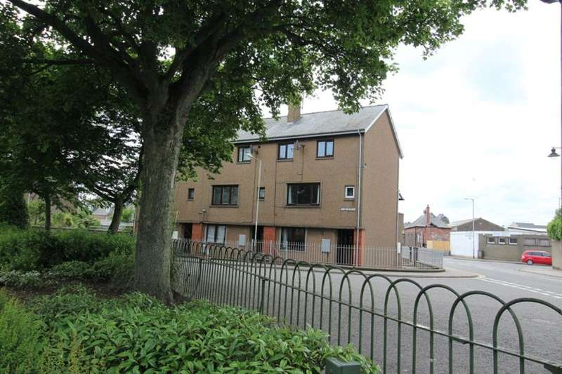 2 Bedrooms Flat for rent in Gibson Place, Montrose, DD10