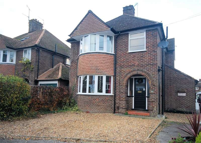 3 Bedrooms Detached House for sale in Chiltern Road, Wendover, Aylesbury, HP22