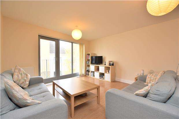 3 Bedrooms Flat for sale in Barton Road, BRISTOL, BS2 0LF
